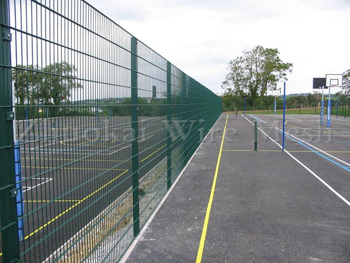Temporary chain link fence panels